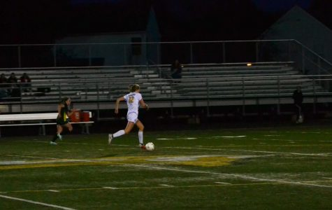 Loudoun Valley varsity soccer home game vs County people: unknown